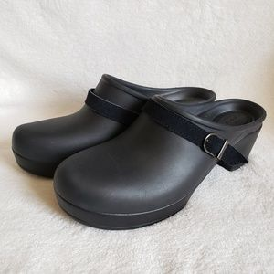 Crocs clogs dual comfort size 10